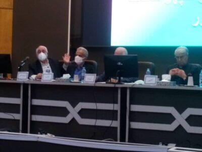 مجمع سالانه شرکت شیشه همدان به ریاست جناب محمد ضرابیه در حال برگزاری است
